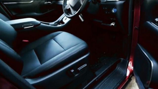 車のレザーシートを自分で補修する方法!手順や費用は?合皮がおすすめ